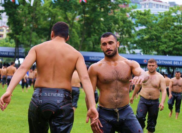 ебут гей турки